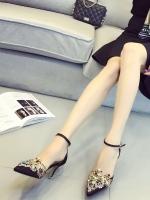 รองเท้าส้นสูงรัดส้น หัวแหลมแต่งเพชร (สีดำ)