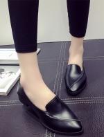 รองเท้าคัทชูแฟชั่นสีดำ หัวแหลม แบบสวม หนังPU ทรงทันสมัย เรียบง่าย ดูดี แฟชั่นเกาหลี