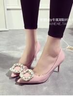 รองเท้าคัทชูผู้หญิงสีชมพู ส้นสูง หัวแหลม ประดับมุก หรูหรา ไฮโซ ดูดี แฟชั่นเกาหลี