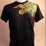 เสื้อยืดคอกลม ลายสีหรามังกร (สัตว์หิมพานต์) เนื้อผ้าดี สีดำสกรีนสีทอง สวมใส่สบาย