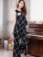 (สีดำ) ชุดเสื้อ+กางเกง เสื้อแขนกุดสีดำ กางเกงขายาวทรงกระบอกสีดำลายตารางสีขาว (ใหม่ พร้อมส่ง) ร้าน Ladyshop4u